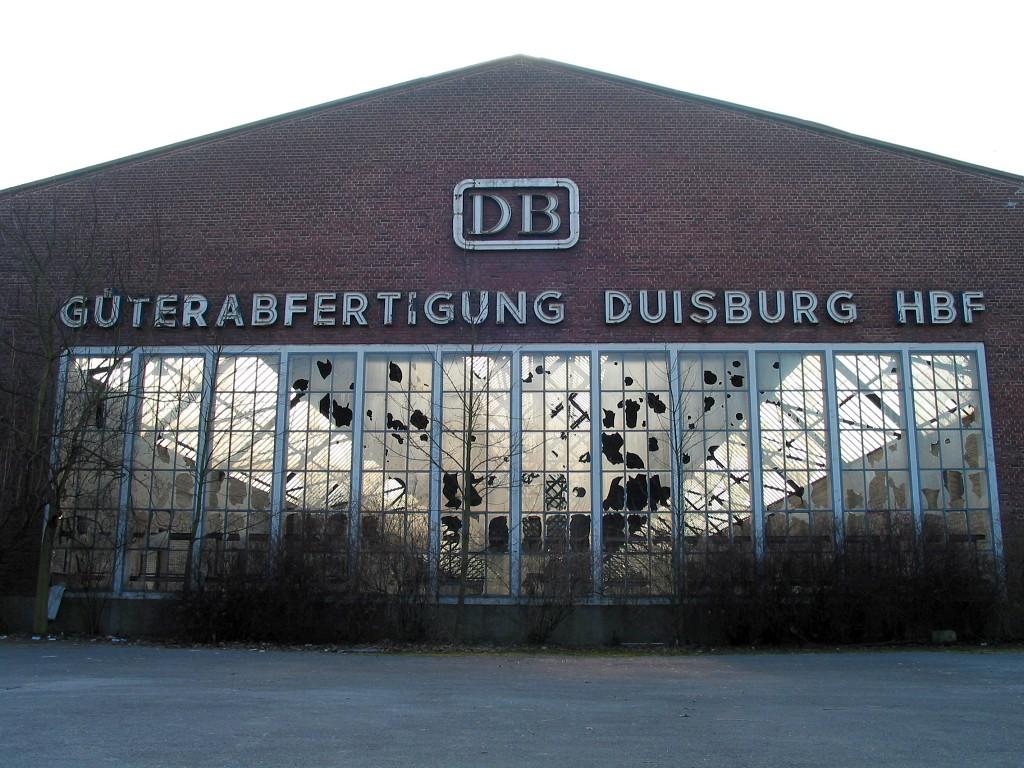 Güterabfertigung Duisburg Hauptbahnhof. Februar 2003. Foto (c) Hafenstaedter.