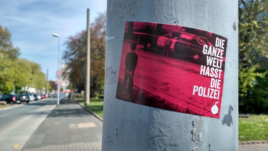 Duisburg Liebt Die Polizei 5 Global Denken Hafenstadt